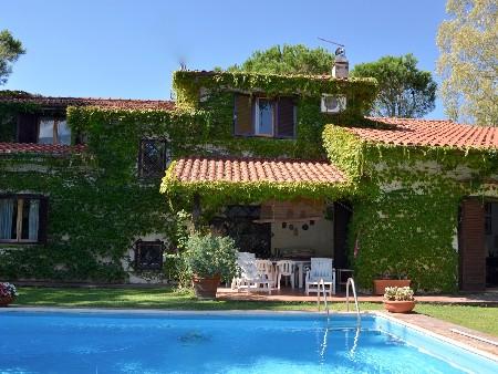 Thrinakie group villa unifamiliare con piscina agenzia immobiliare in roma - Villa con piscina roma ...