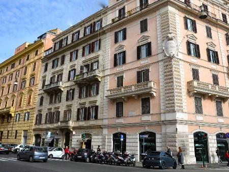 Thrinakie group ufficio in affitto roma prati borgo for Ufficio roma prati